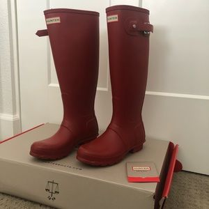 Hunter Military (matte) red boots